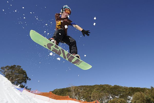 Snowboarding at Mt Baw Baw